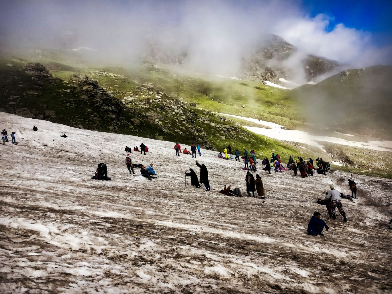 Photo of Rohtang Pass By Vismmai Singh