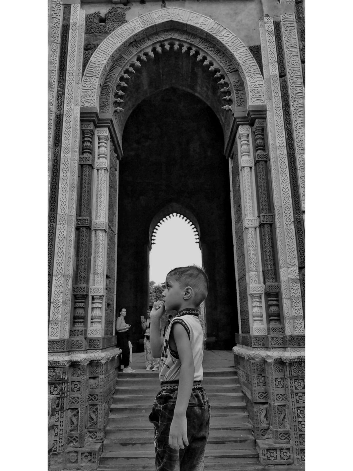Photo of Qutub Minar By Pooja Yadav
