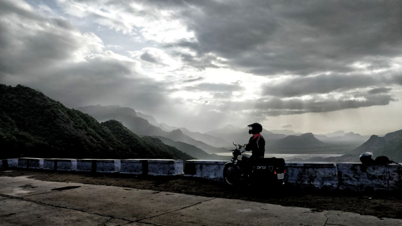 Photo of Valparai By Savin Gurkar