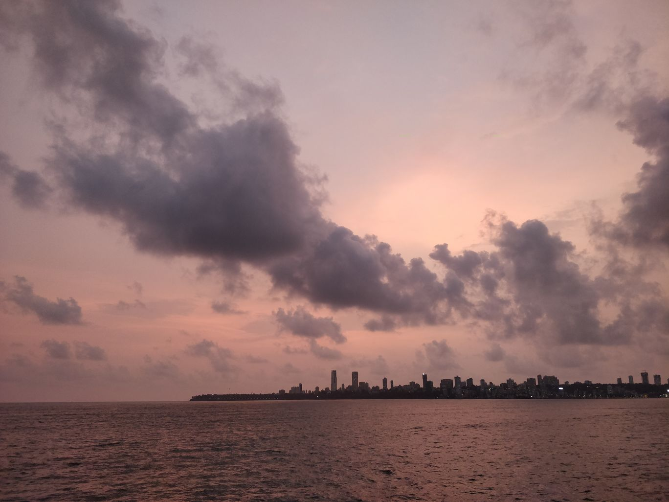 Photo of Marine Drive By Esa Vaswati