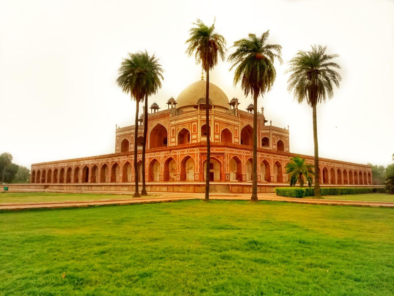 Photo of Humayun's Tomb By Utsajit Kundu