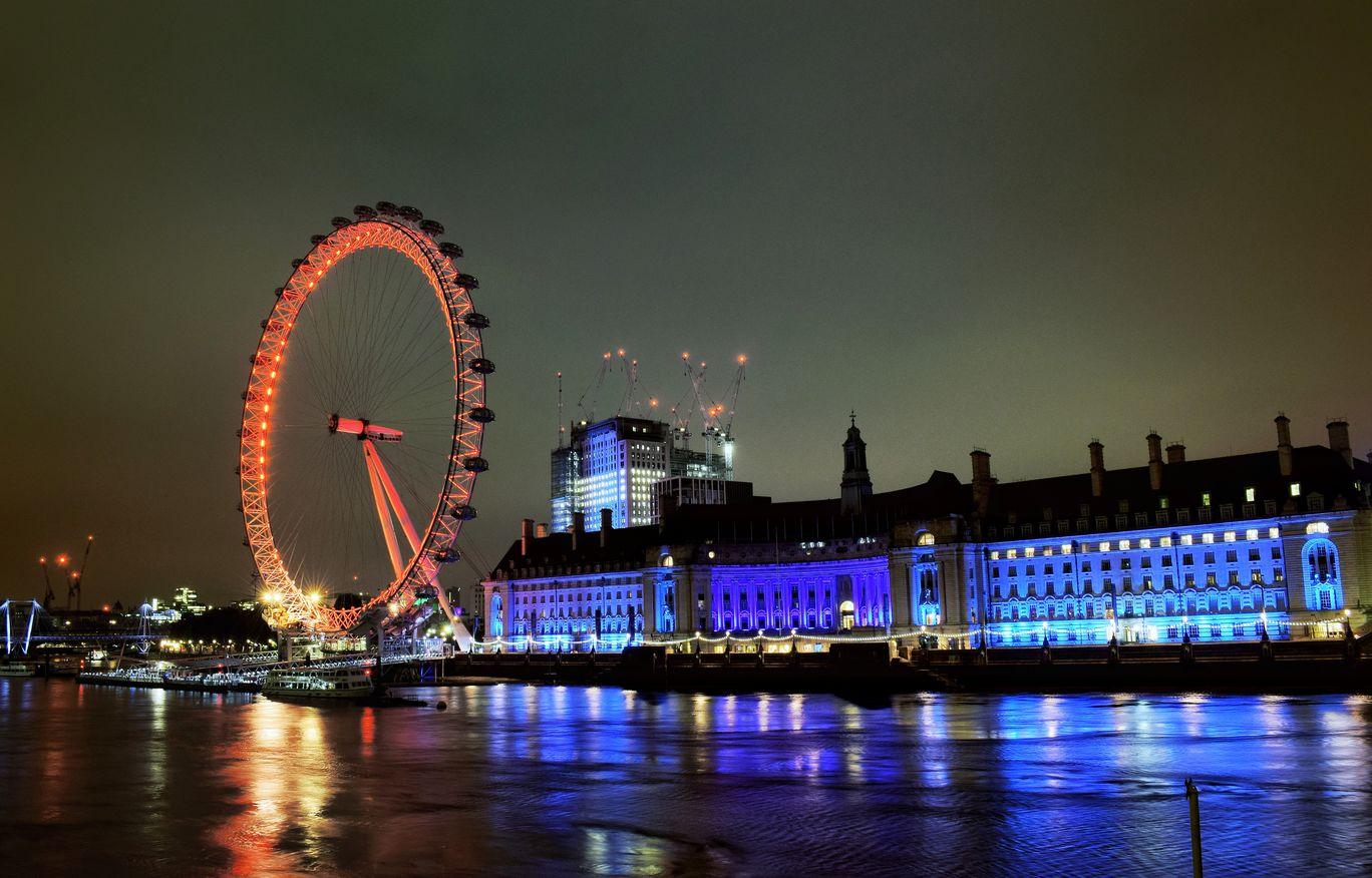 Photo of Westminster Bridge By Sharad Gupta