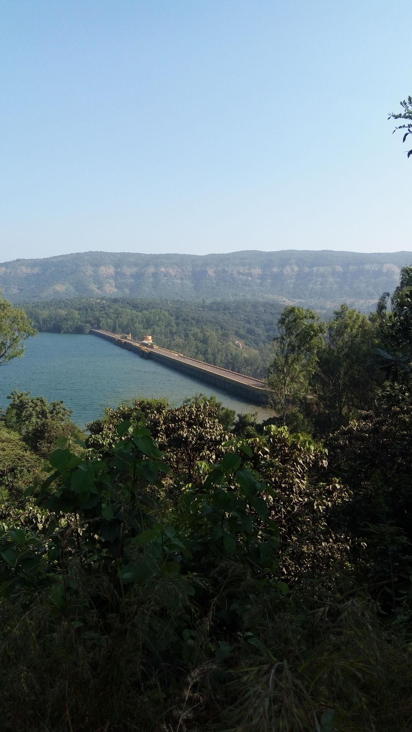 Photo of Koyna Dam Road By Snehal Desai