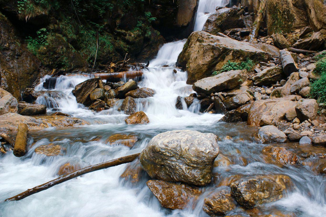 Photo of KheerGanga Waterfall - Half way By Salil Sharma