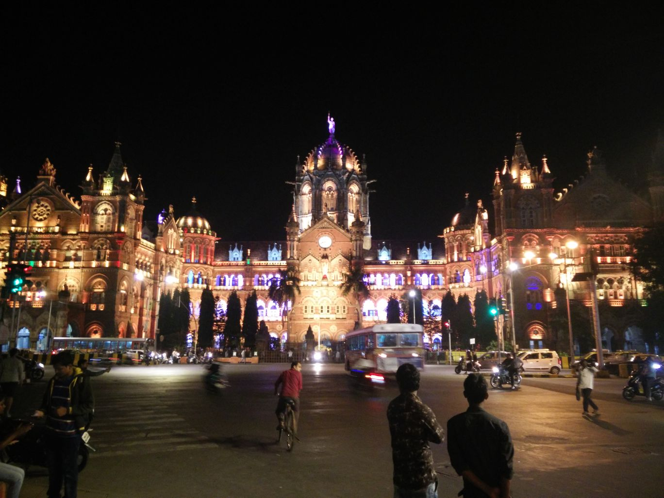 Photo of Chatrapati Shivaji Terminals S.T Bus Stop By Hemanth Varma