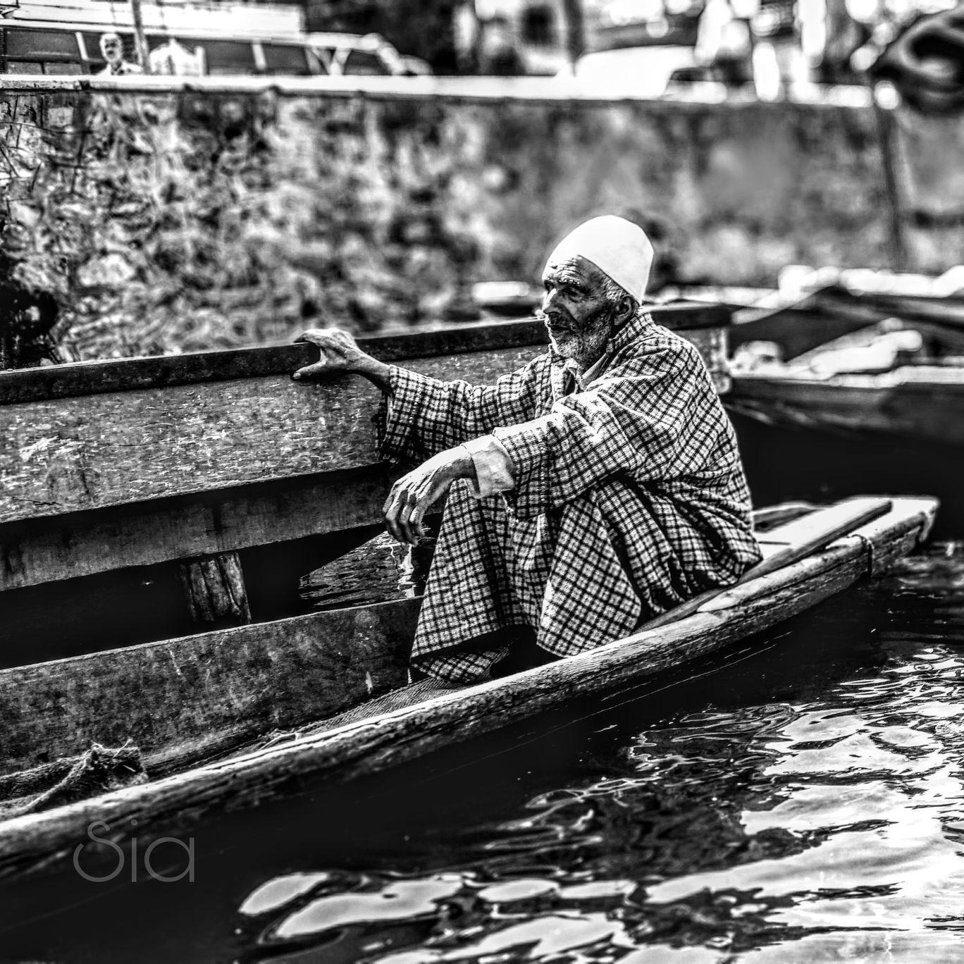 Photo of Dal Lake By Mansi Bhat