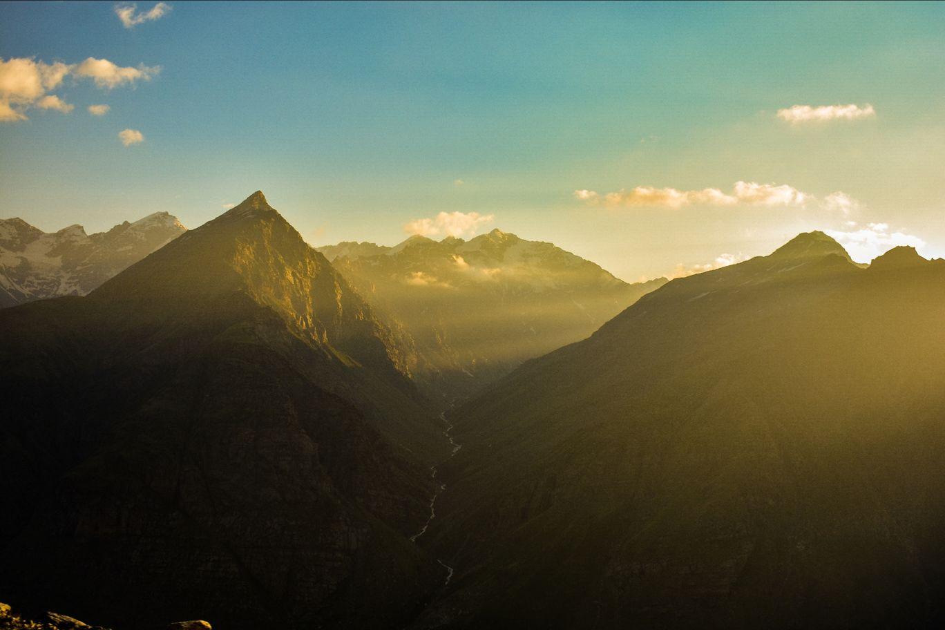 Photo of Rohtang Pass By Radhika Sharma