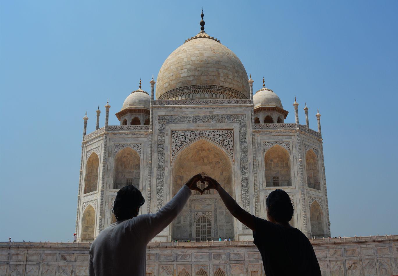 Photo of Taj Mahal By crazy interest