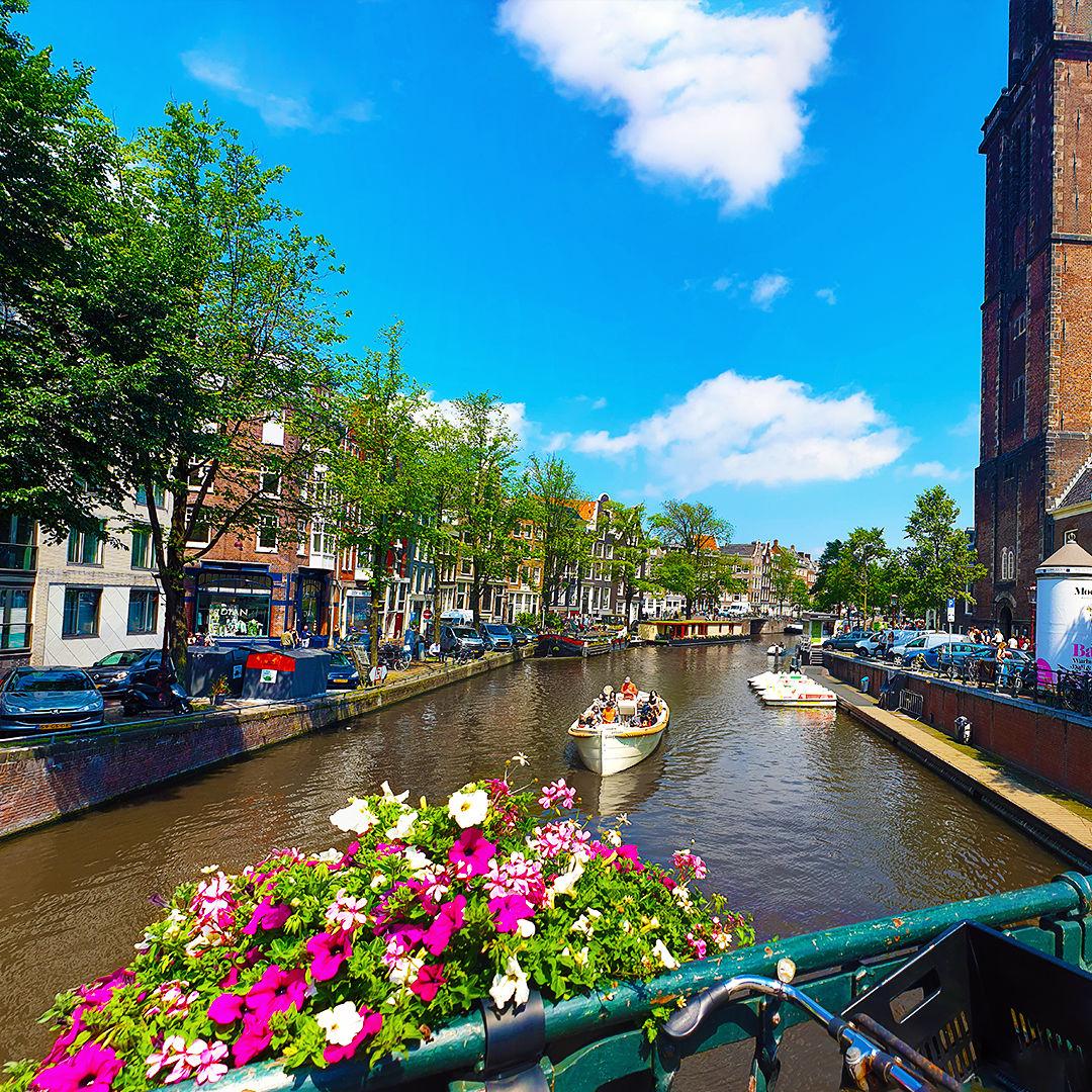 Photo of Amsterdam By Faizan Patel