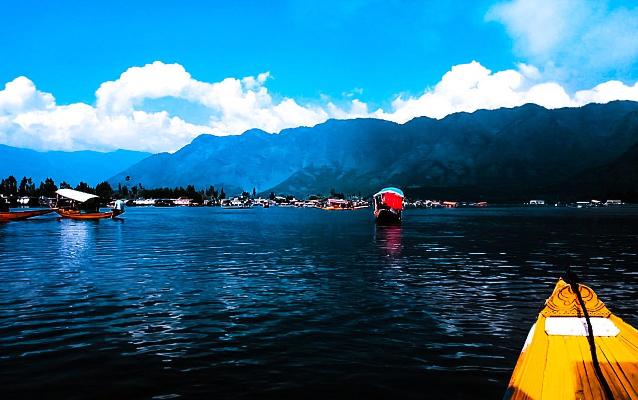 Photo of Dal Lake By Rishabh Gangwar