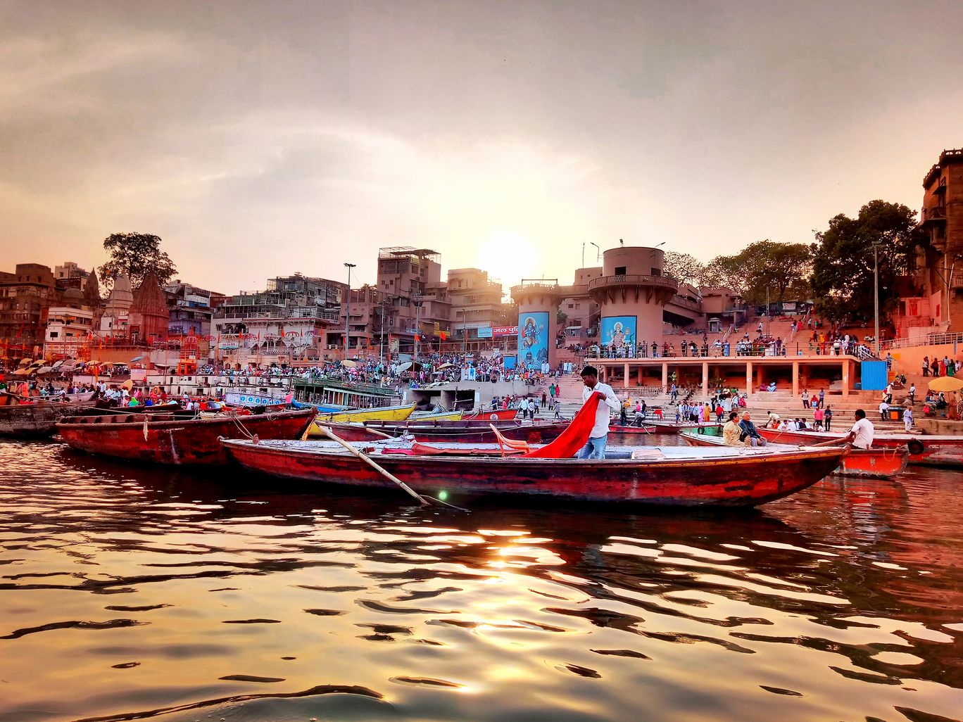 Photo of Dashashwamedh Ghat By Sayan Kundu