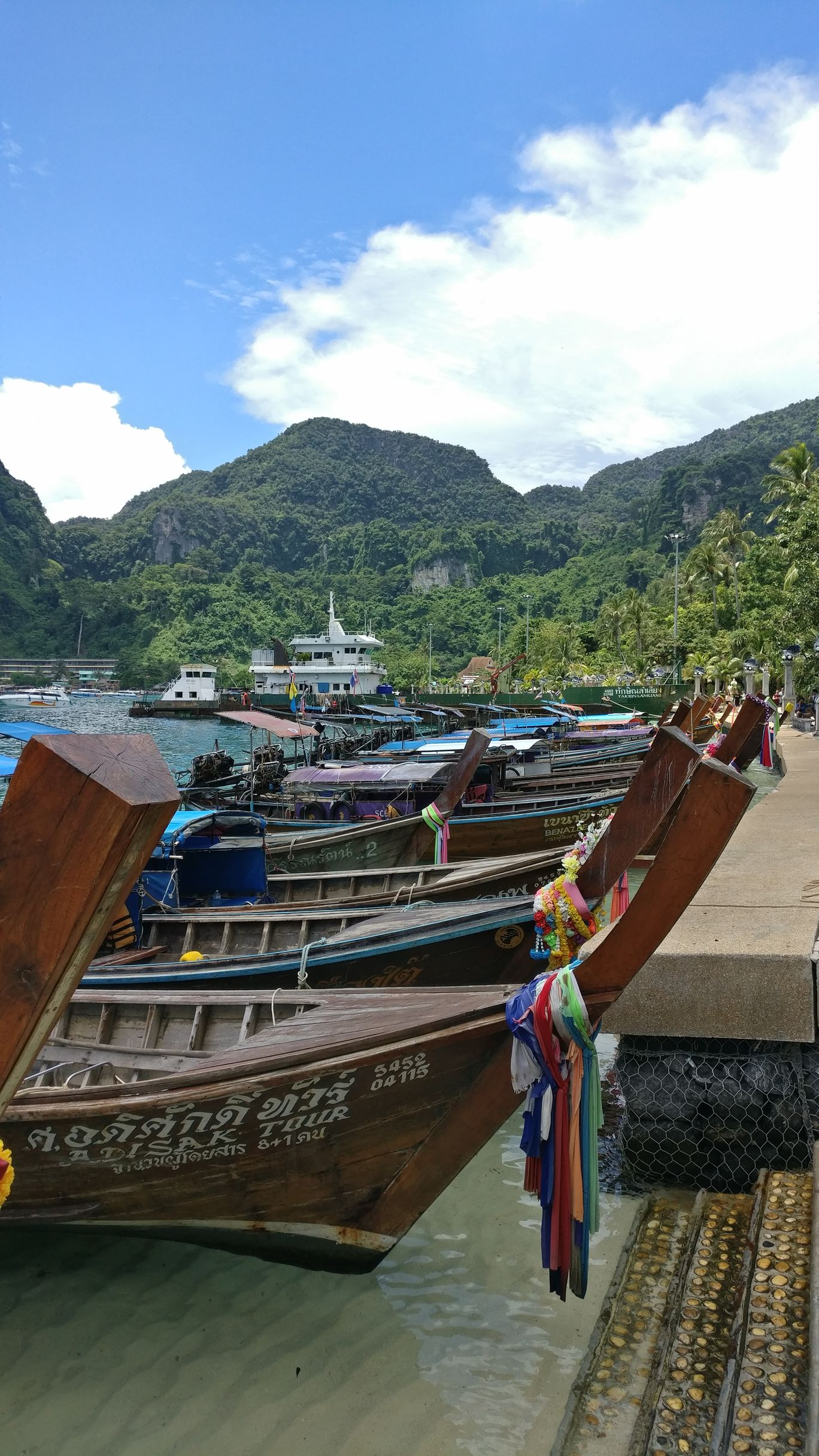 Photo of Phi Phi Islands By Noopur Athale