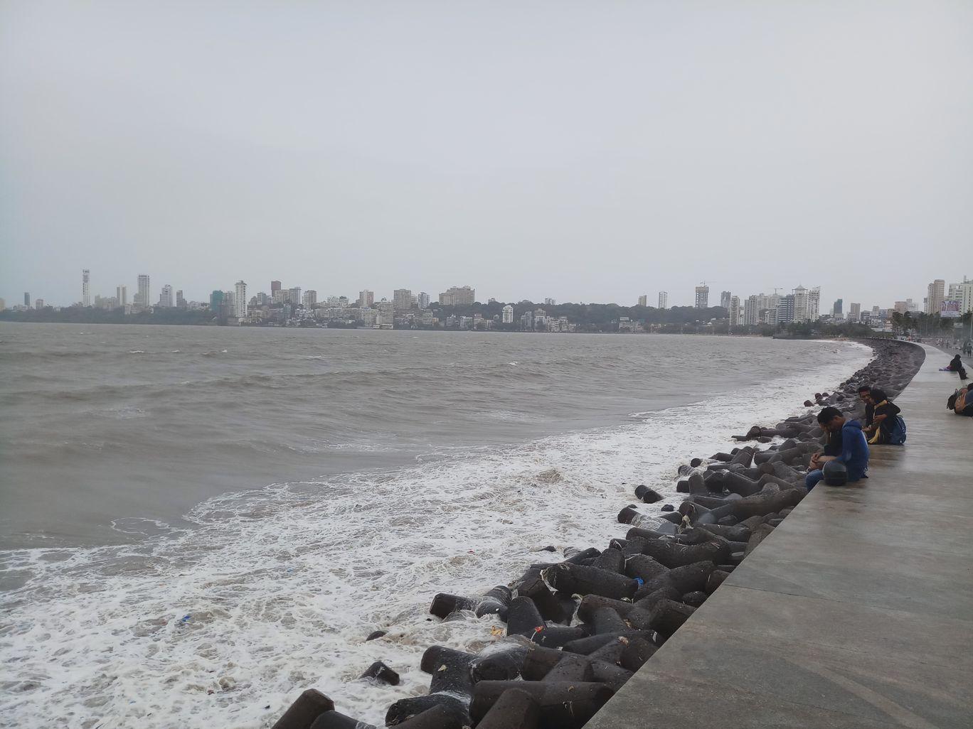 Photo of Marine Drive By Rupesh Varma