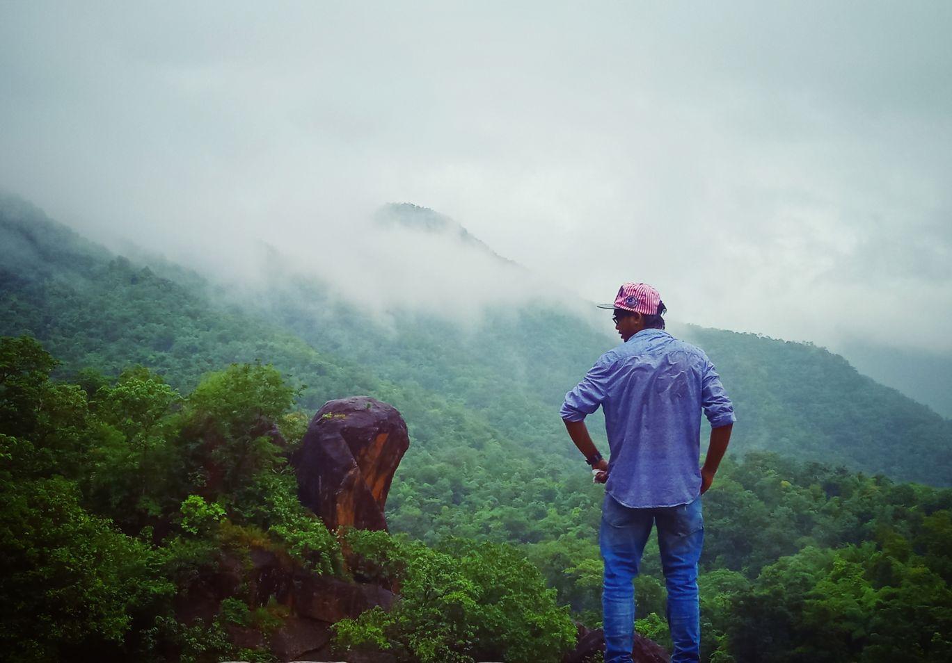 Photo of Sariya Water Falls By Akhil Melvitill