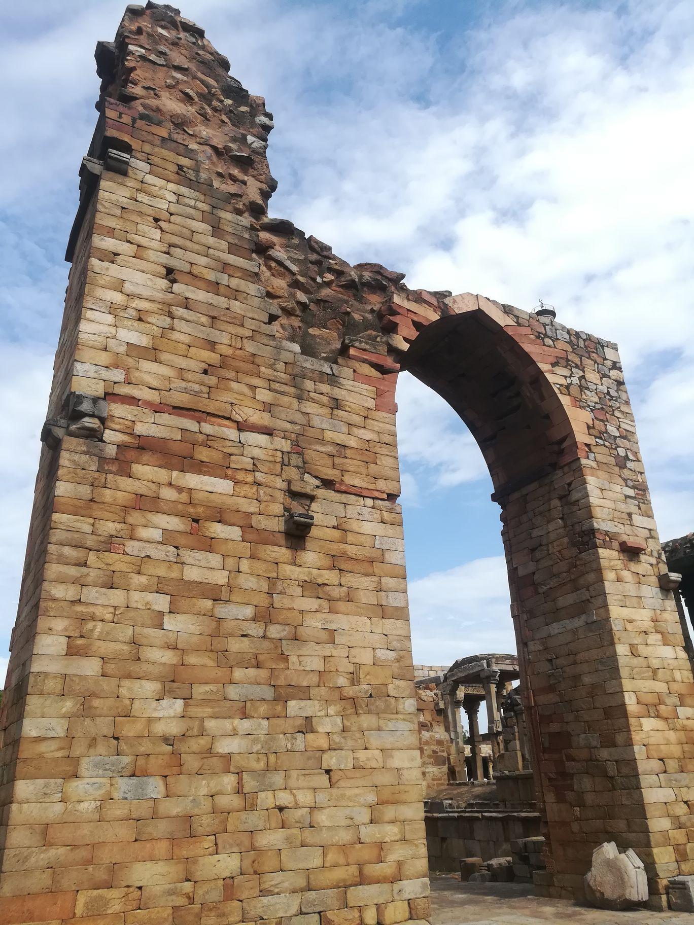 Photo of Qutub Minar By Wąðhãwåń Sąåß