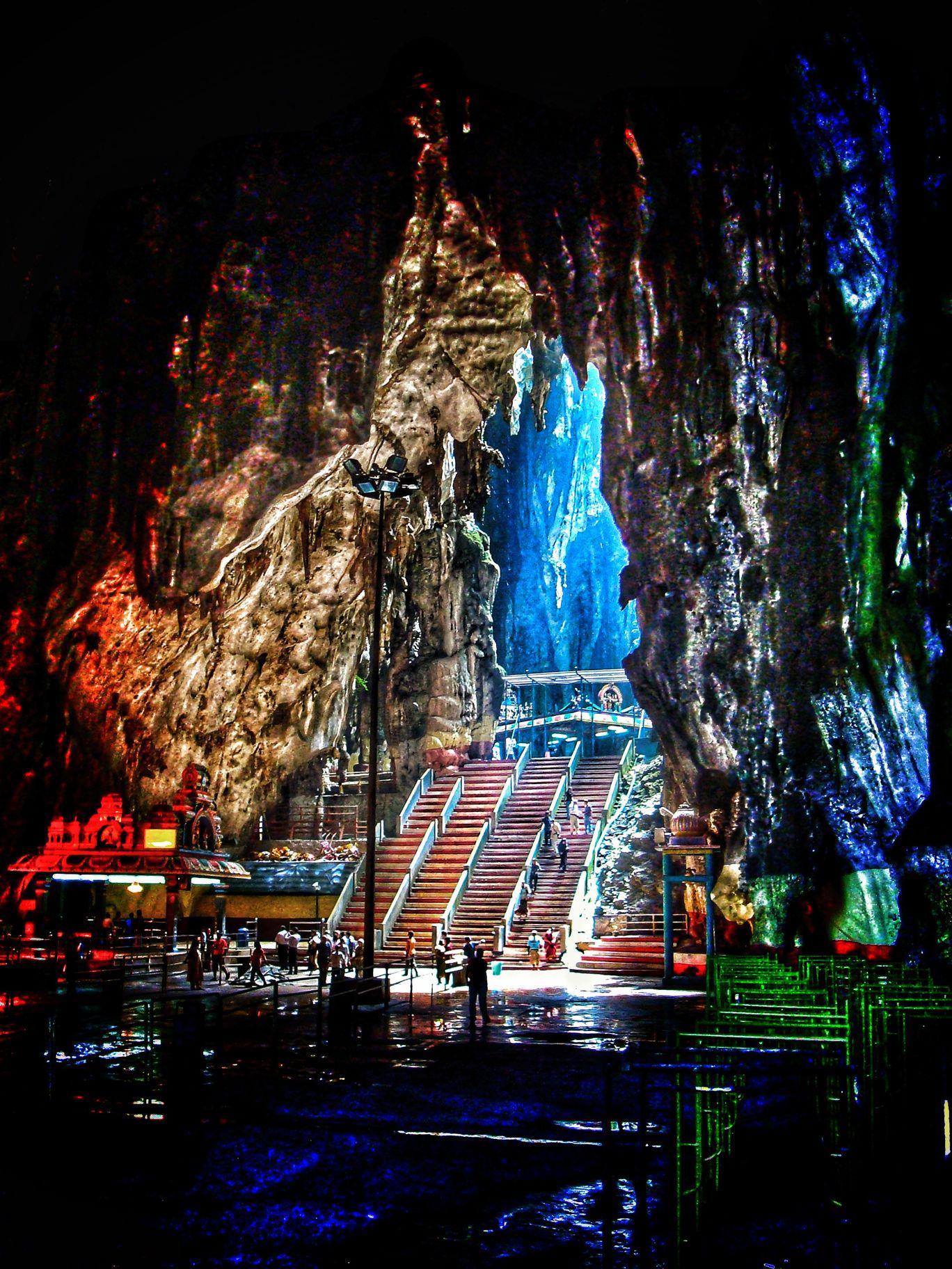 Photo of Batu Caves By Khushboo