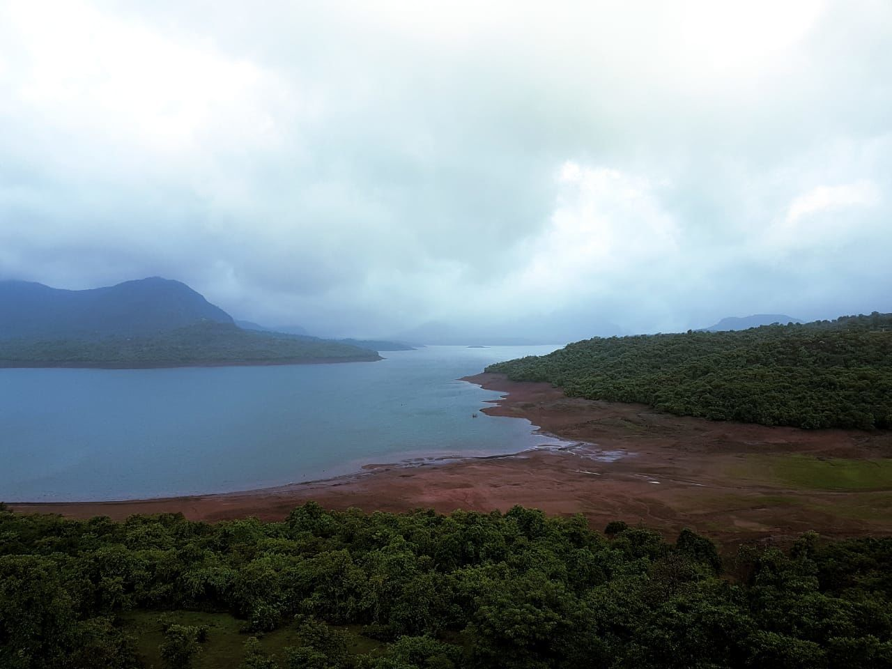 Photo of Mulshi Dam By Manasi Mathew