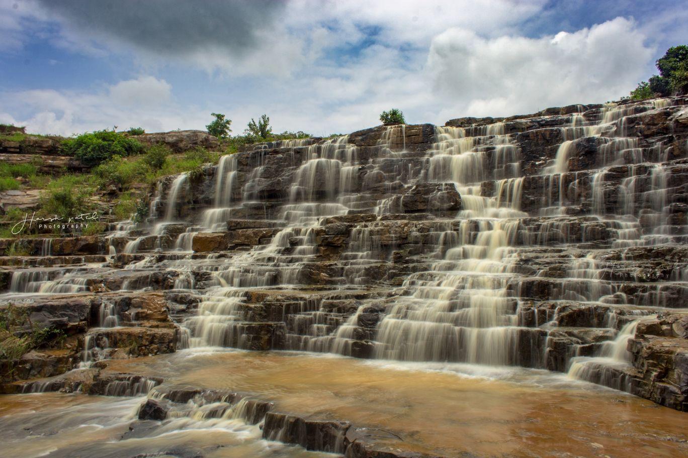 Photo of Mandwa Waterfall By Harsh Patel