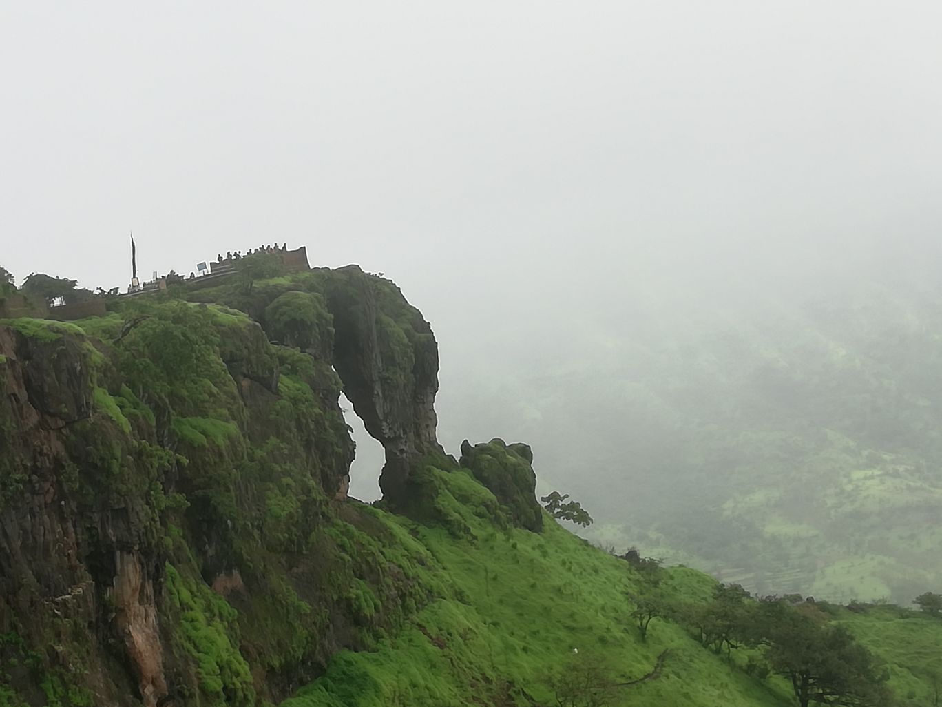 Photo of Lonavala Lake Waterfall By Yash Gandhi