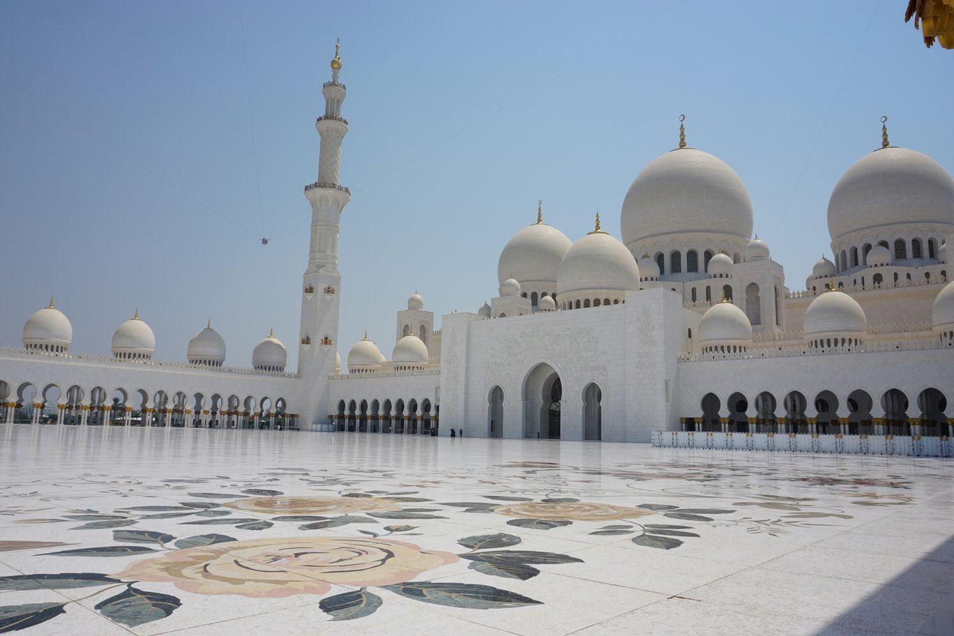 Photo of Abu Dhabi - United Arab Emirates By Chhavi Tiwari