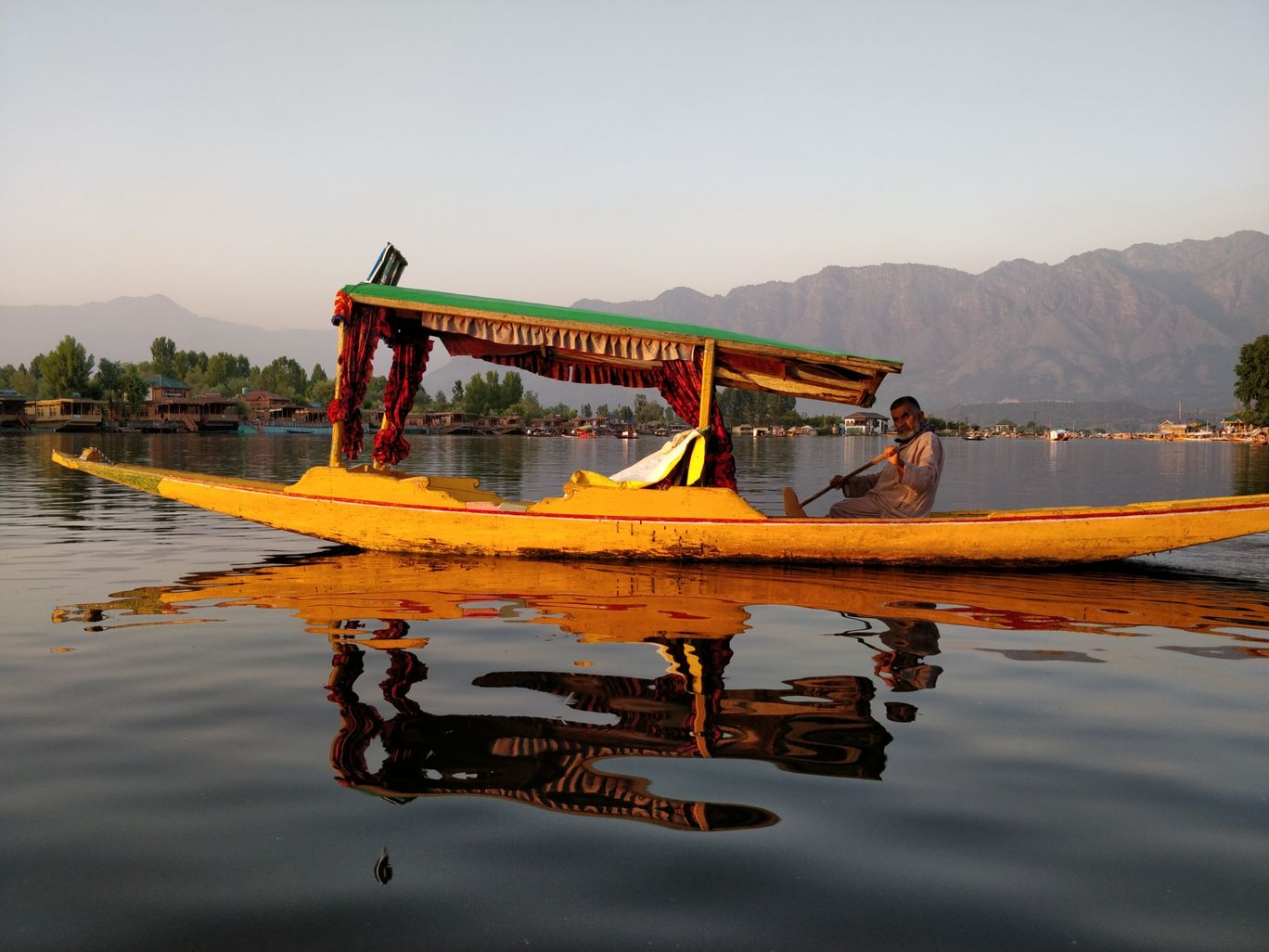 Photo of Srinagar By Anirudh Goswami