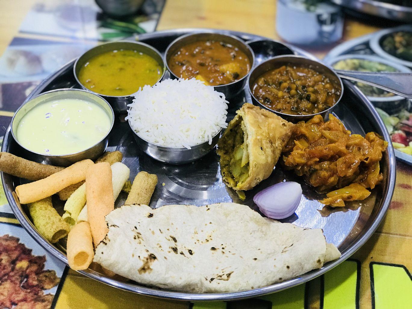 Photo of Hyderabad By Yamini Jinsiwale