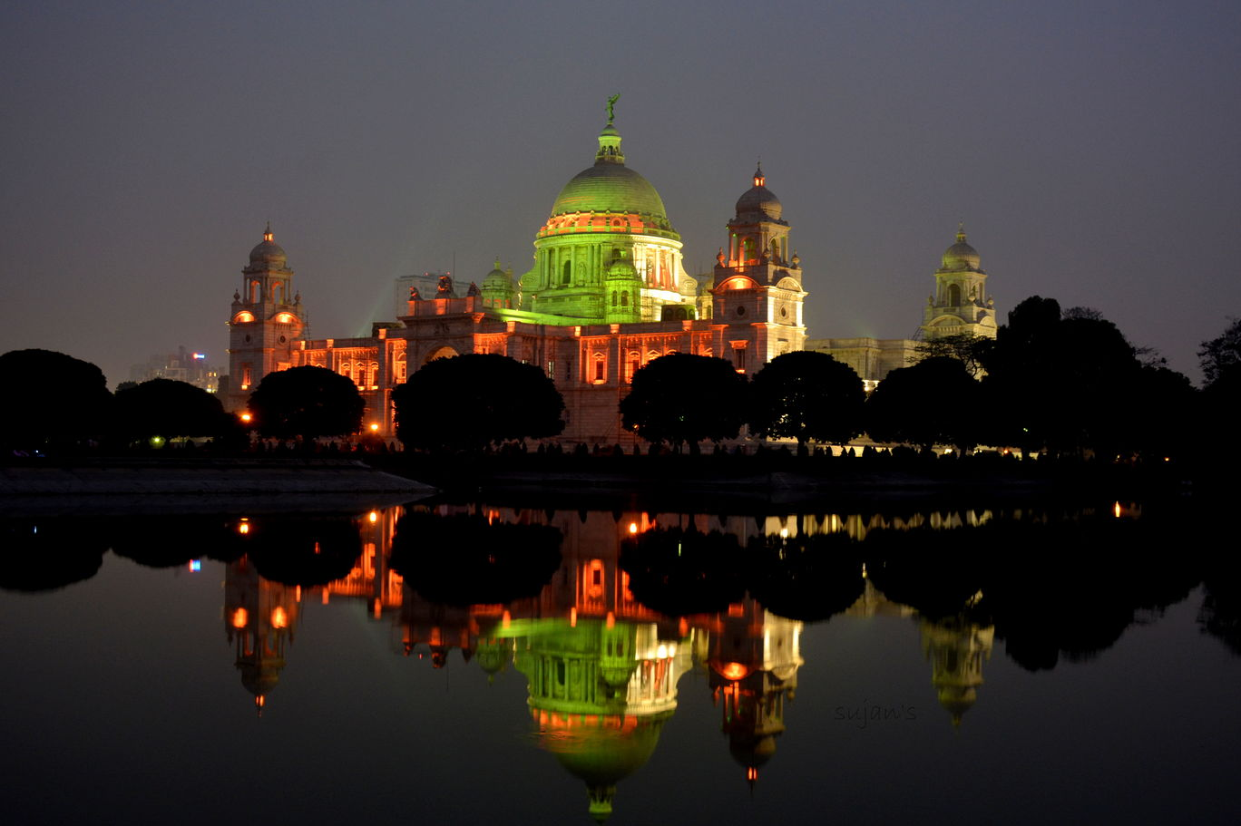 Photo of Victoria Memorial By Sujan Dey