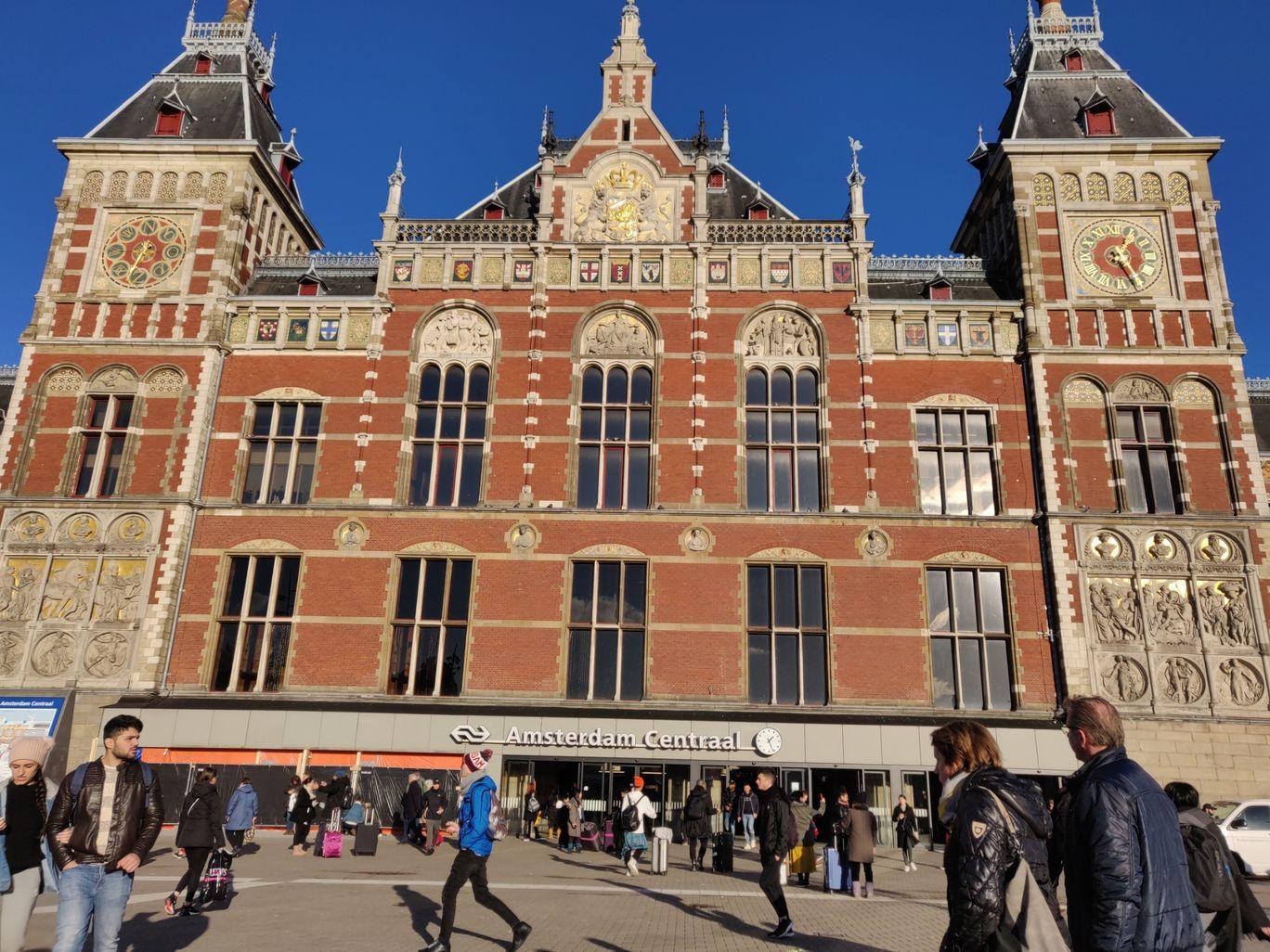 Photo of Amsterdam By Sunny Naidu