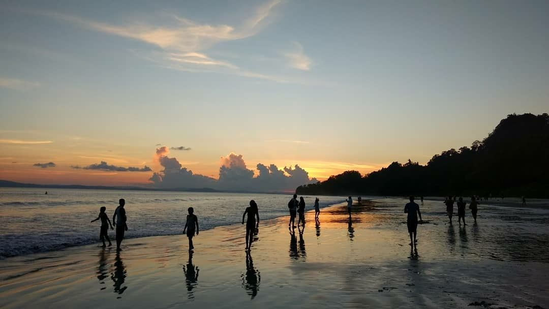 Photo of Radhanagar Beach By Tejas Singhai
