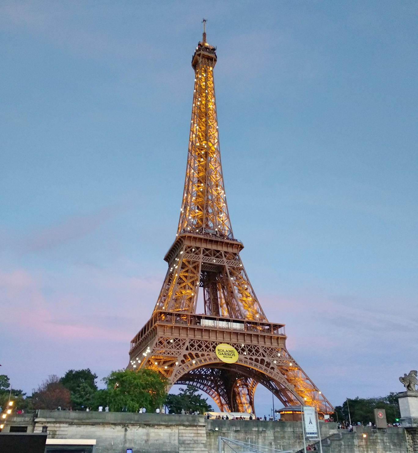 Photo of Eiffel Tower By Deepali Sanap