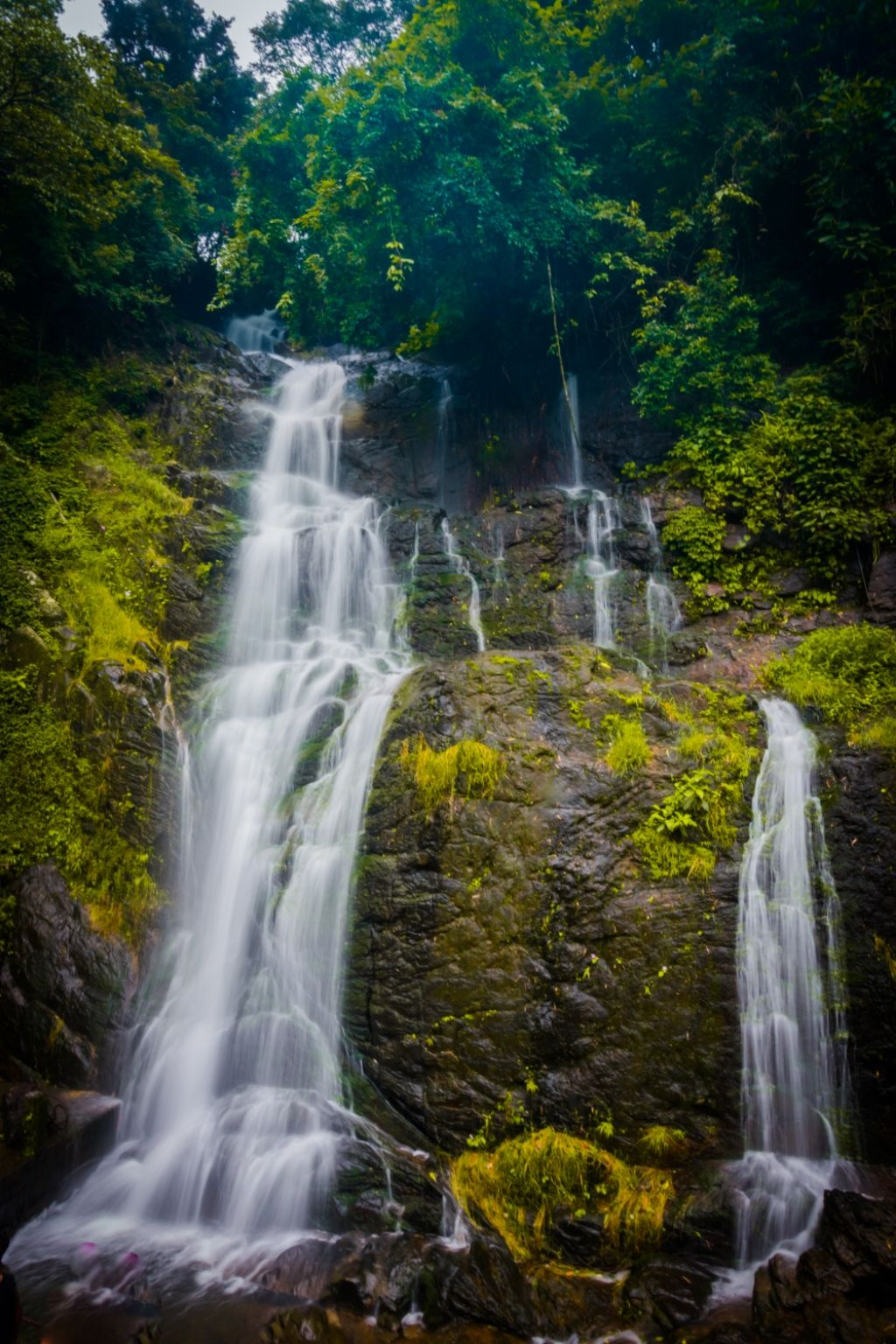 Photo of Valanjanganam waterfalls By Rishab Tripathy