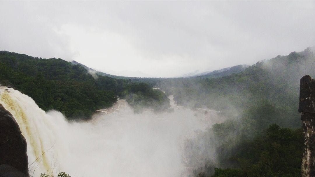 Photo of Athirapilly and Charpa Waterfalls By Kiran Vijayan
