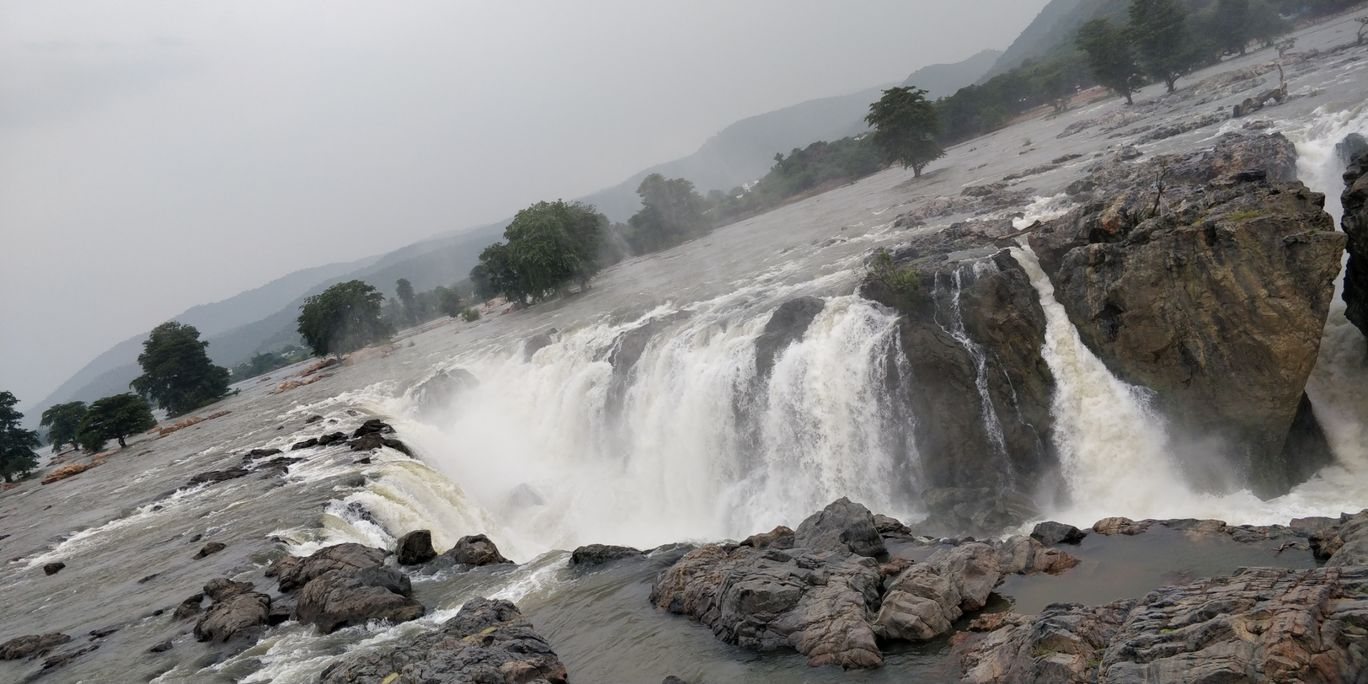 Photo of Hogenakkal Waterfalls By Dikshant Shekhar