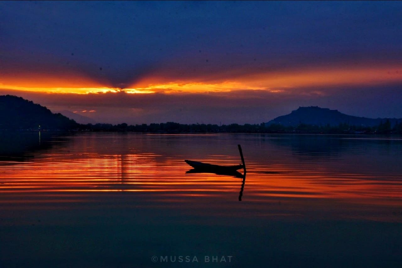 Photo of Dal Lake By Mussa Bhat