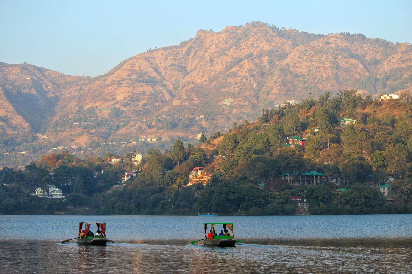 Photo of Sattal Lake By Smit Prajapati
