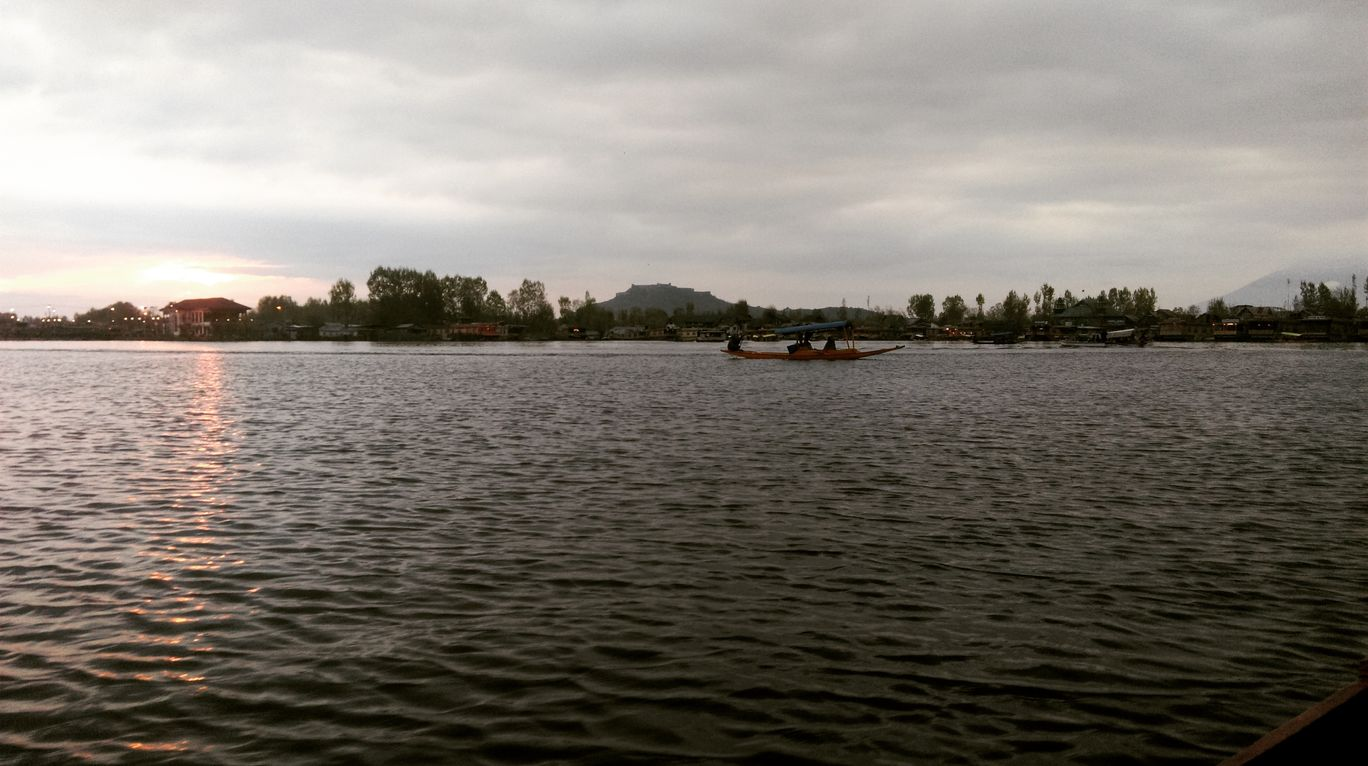 Photo of Dal Lake By Farooz Bhat