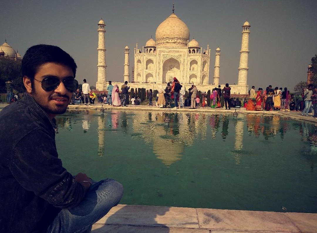 Photo of Taj Mahal By yash gupta