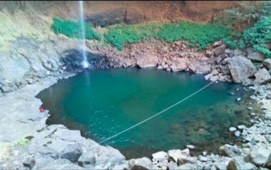 Photo of Devkund Waterfall By Dishari Palit