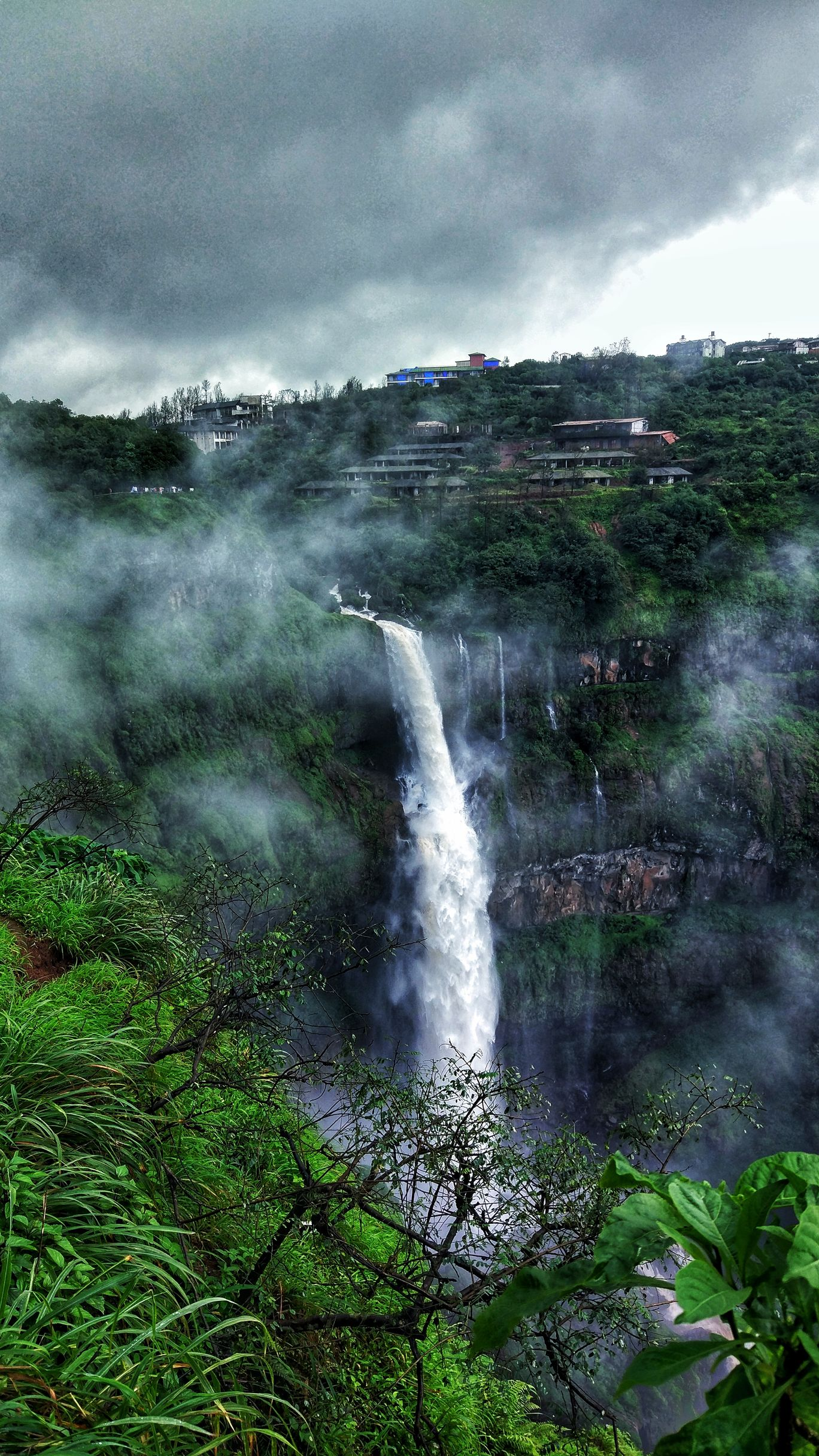 Photo of Lingmala Waterfall By Vineet Tomar