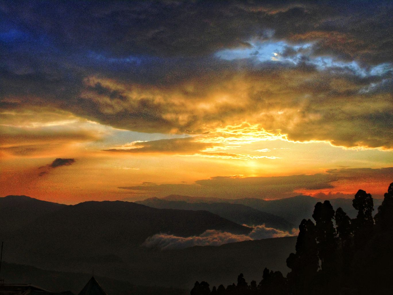 Photo of Darjeeling By Tanushree Deole