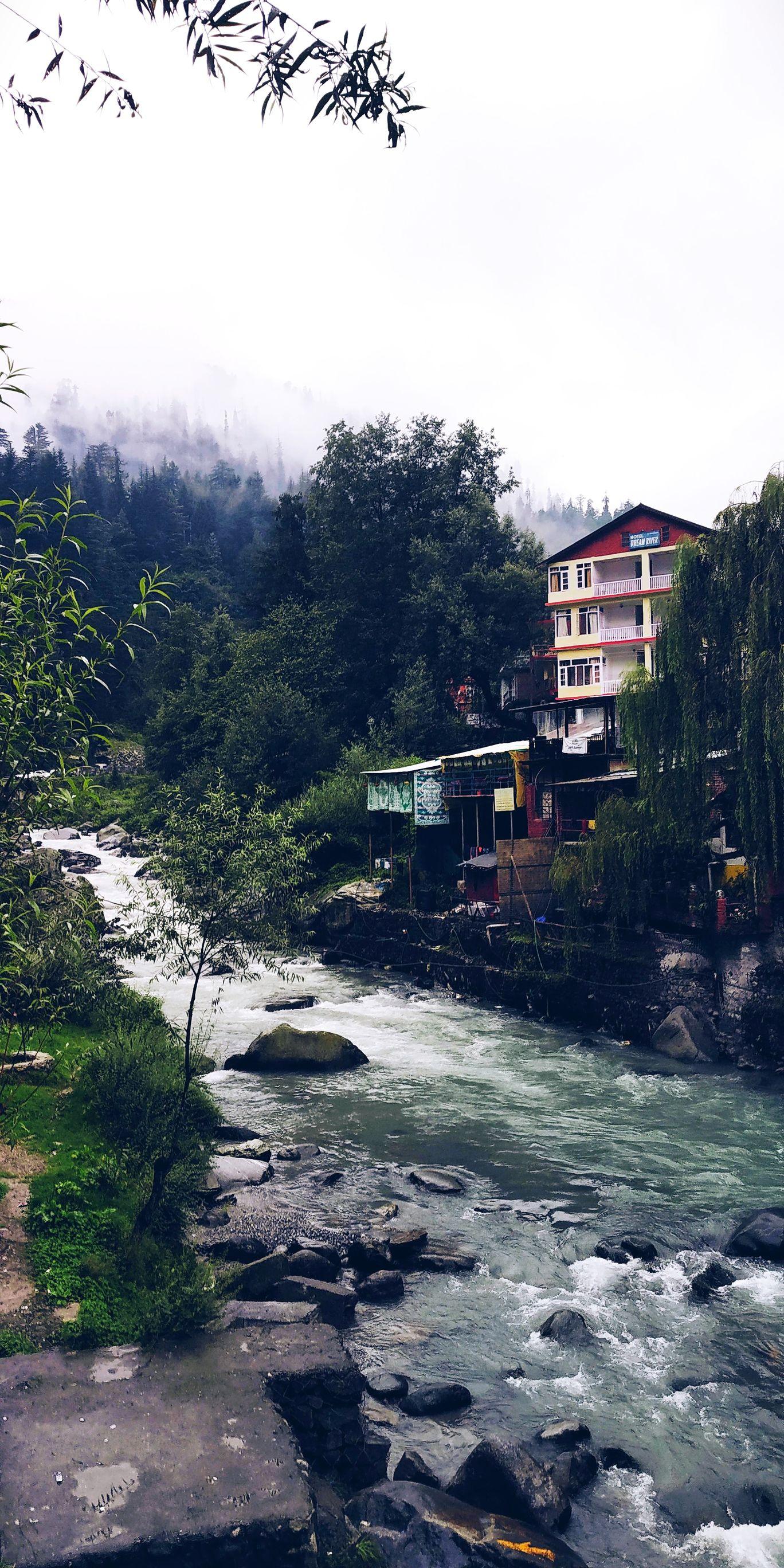 Photo of Old Manali By Bushra Tamkenat