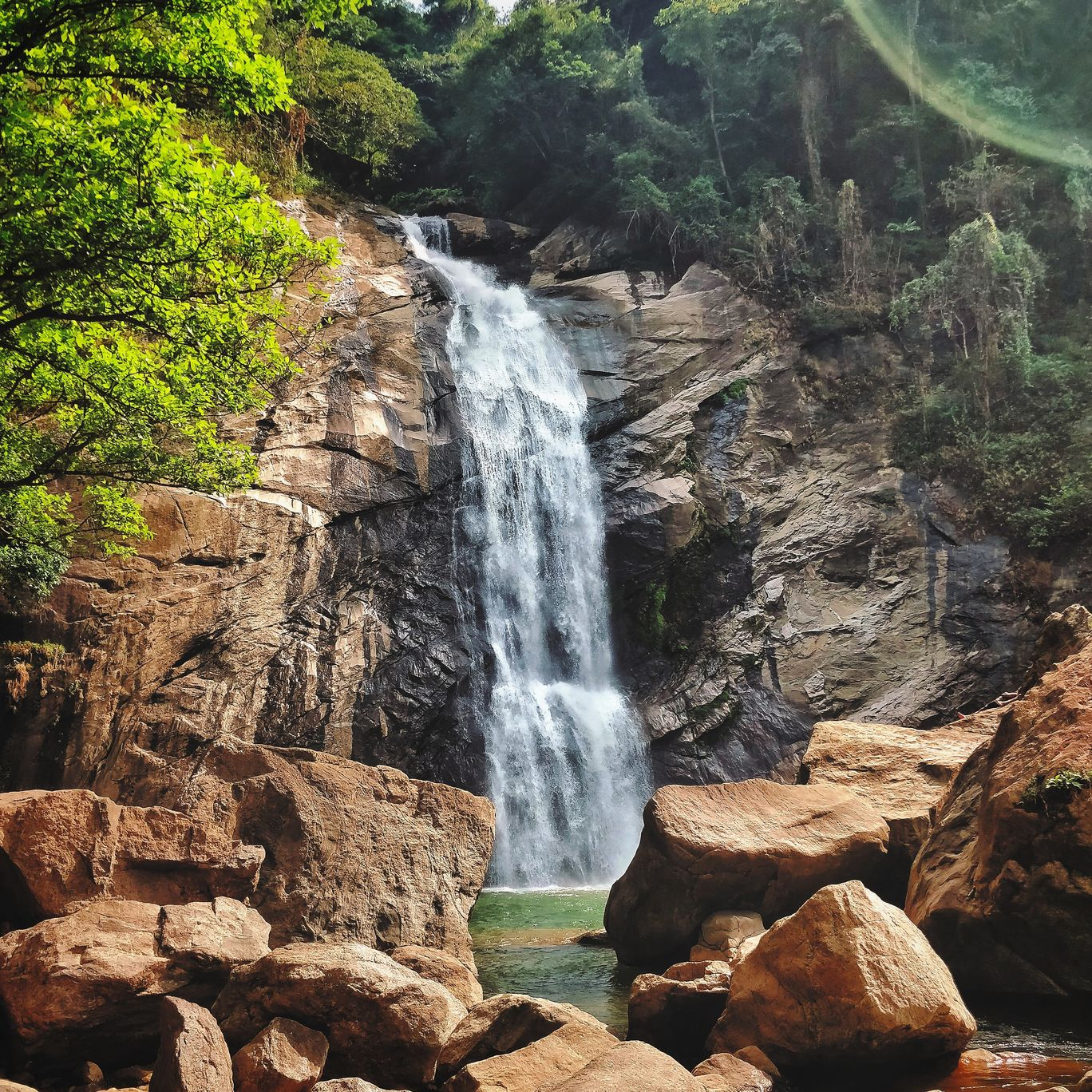 Photo of Marmala Waterfalls By Aswin Kanagasabapathy