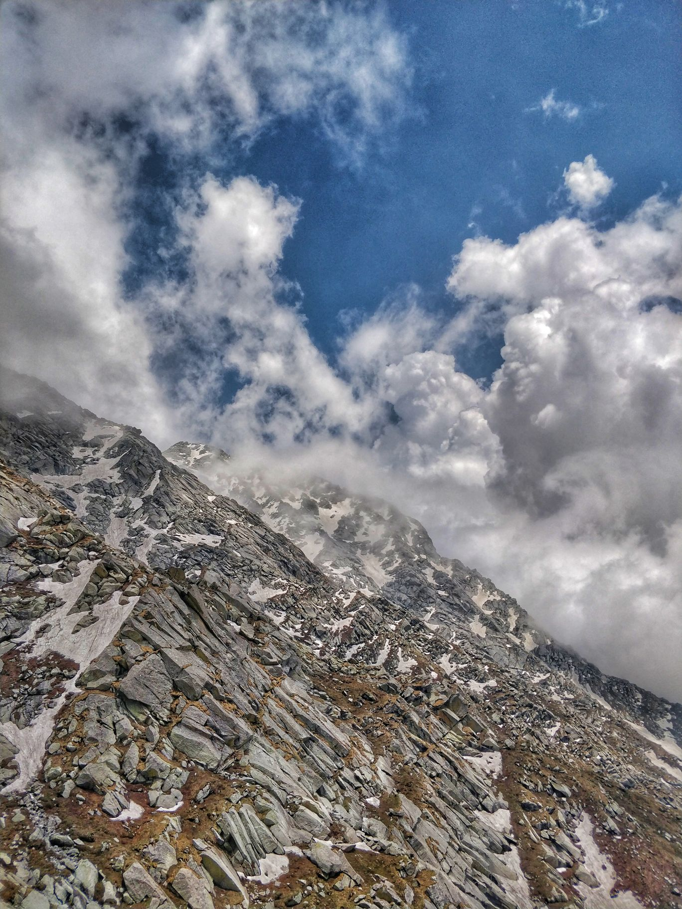 Photo of Indrahar Pass By Deepanshu Dey