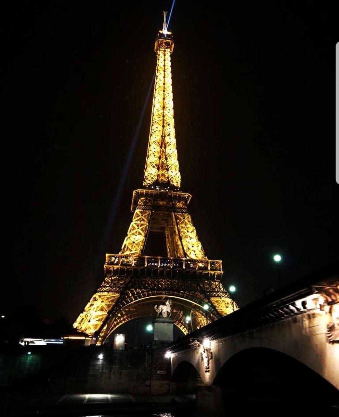 Photo of Eiffel Tower By Gaurika Madan