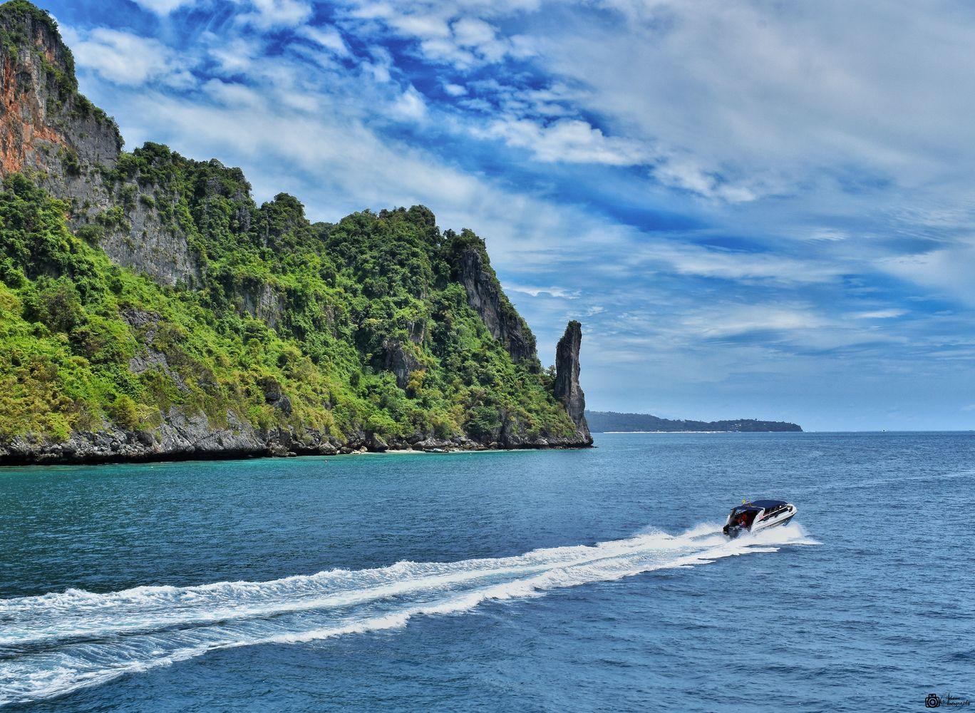 Photo of Phi Phi Islands By Shounak Chakraborty