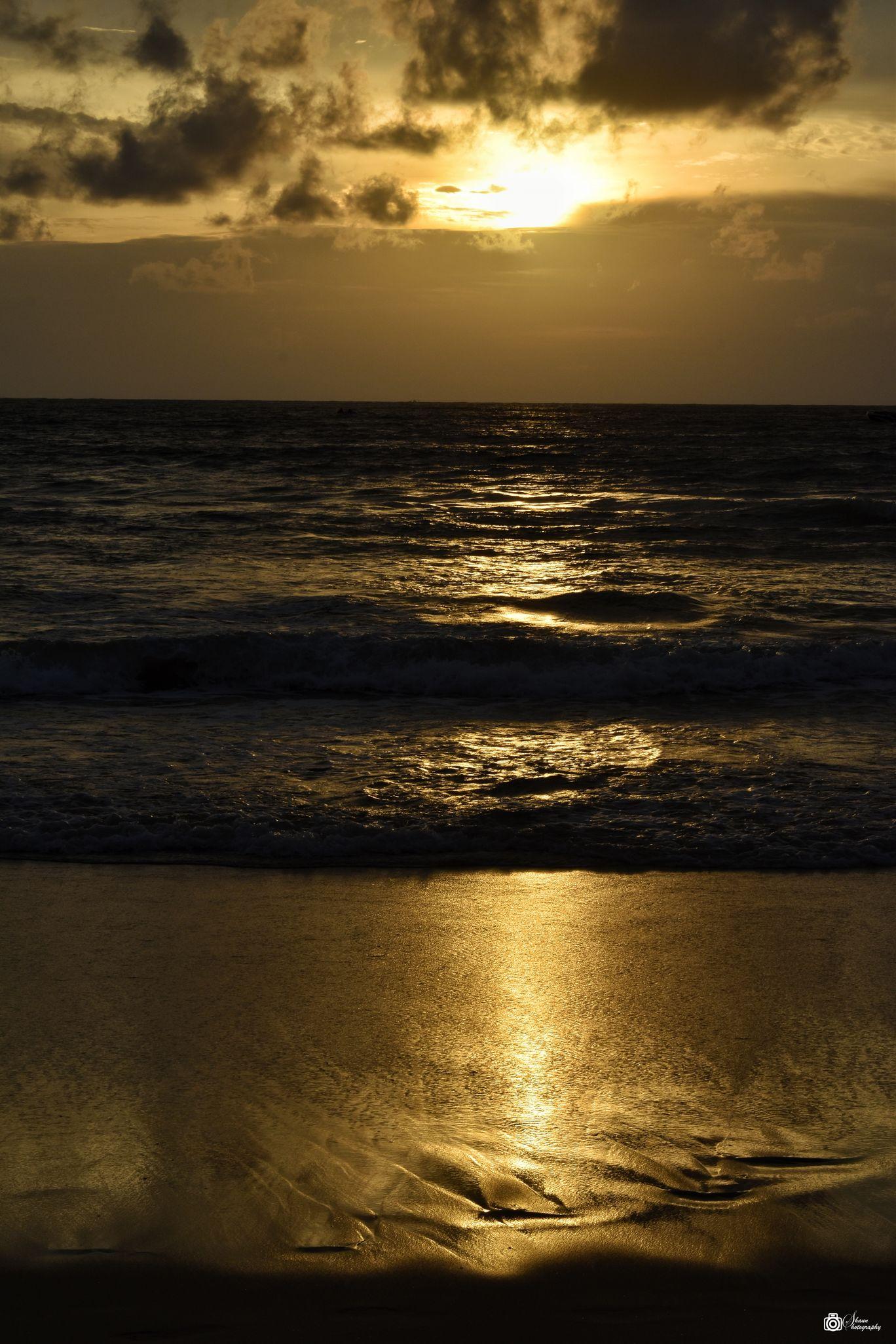 Photo of Patong Beach By Shounak Chakraborty
