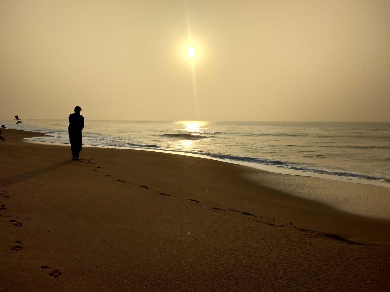 Photo of Golden Beach By Niharika Katara