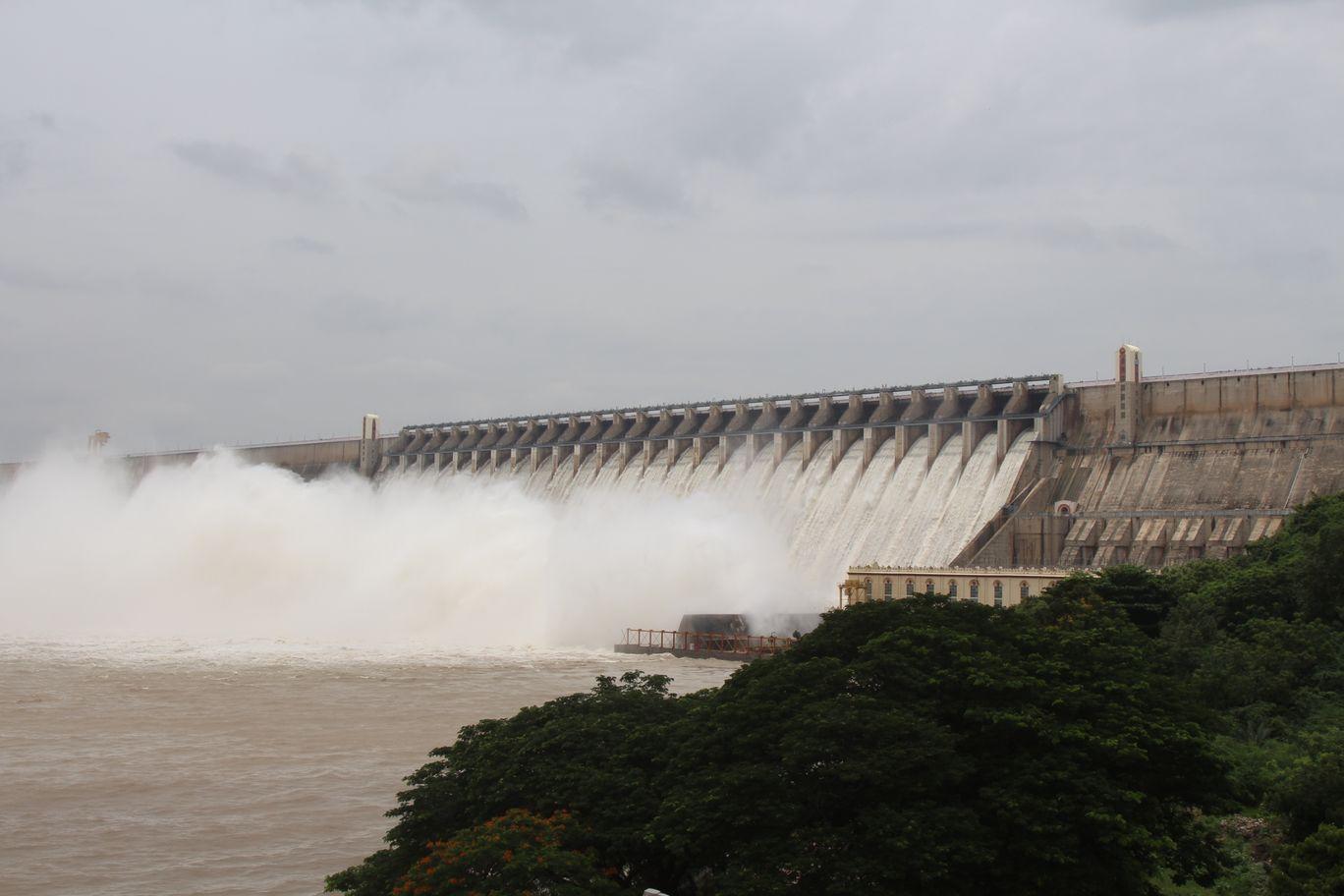 Photo of Nagarjuna Sagar Dam By Veerendra Chowdary