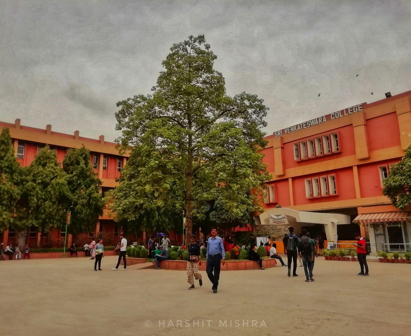 Photo of Sri Venkateswara College By हर्षित मिश्र