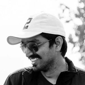 Tnayaj Sayv Travel Blogger